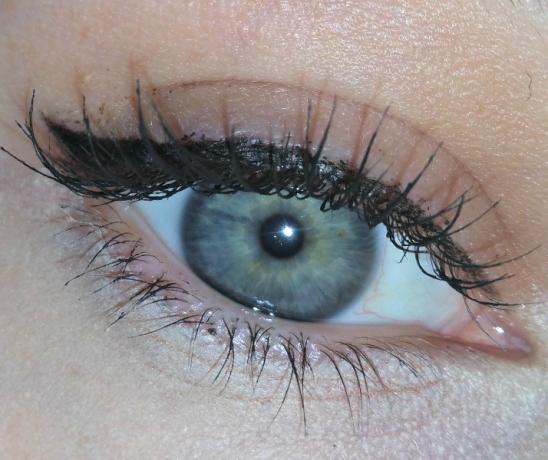 kat-von-d-tattoo-liner-opened-eye-1