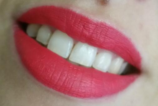 Urban Decay - Vice Liquid Lipstick Tryst #1
