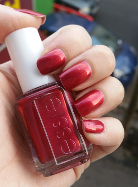 #MardiMani #54 : Ring in the Bling –Essie
