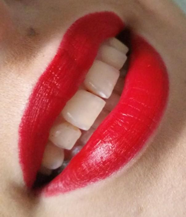 Sephora - Rouge Velouté Sans Transfert Always Red #1