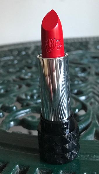 Le lipstick du mois #14 : Studded Kiss Lipstick Underage Red de Kat vonD