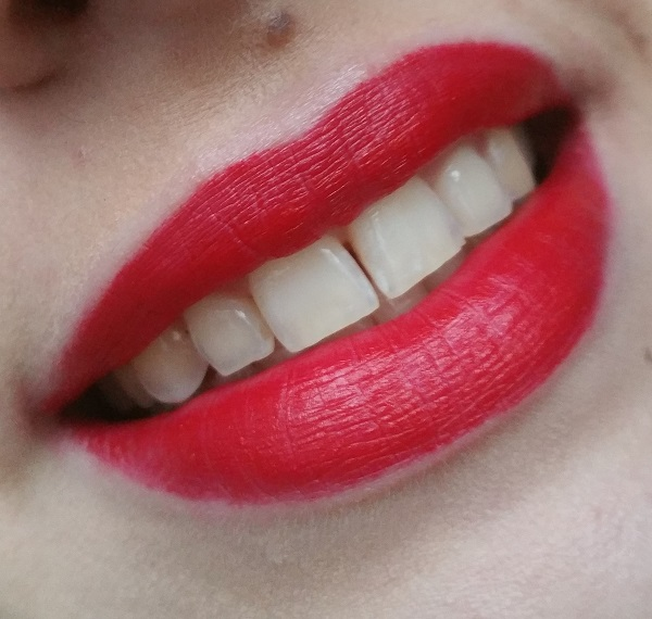 Kat von D - Studded Kiss Lipstick Underage Red #6