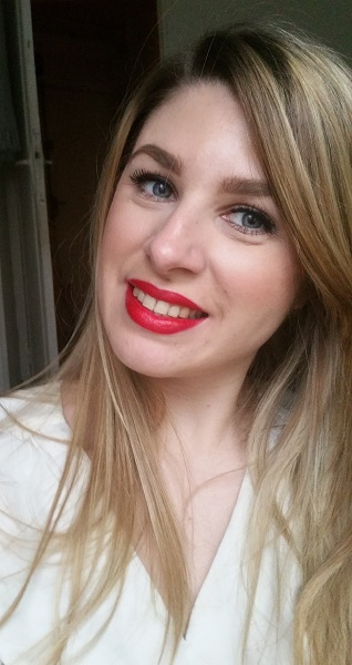 Kat von D - Studded Kiss Lipstick Underage Red #7