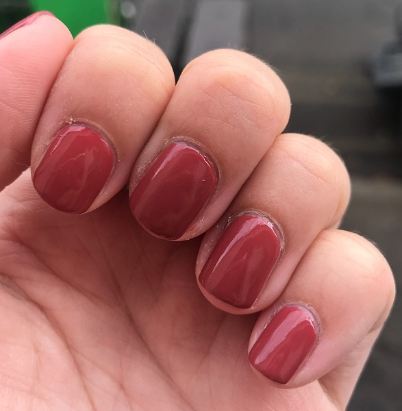Essie - In Stitches #3