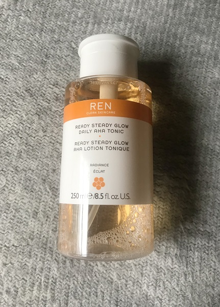 Ready Steady Glow Daily AHA Tonic – REN Clean Skincare : a-t-il surpassé le Glow Tonic ?